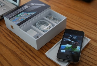 Blackberry porsche,Iphone 4s 64gb,Blackberry bold touch 9900 for sale