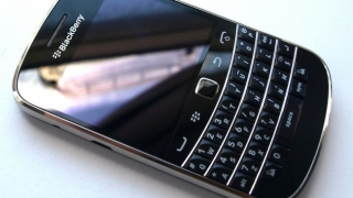 BlackBerry Bold Touch 9930,Blackberry Bold Touch 9900,Blackberry Touch 9850