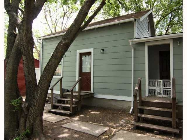 Great Garage Apartment In The Snorth Loop For Rent
