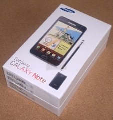 OFFER NEW ARRIVAL Apple Iphone 4S 64GB BlackBerry Porsche Design P9981 Blackberry Bold touch 9900 HT
