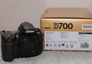 Nikon D700 Digital SLR Camera (Body Only)