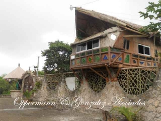Motel, restaurant and home for sale in Aromo.