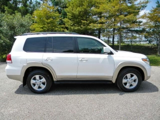 6 month used 2009 toyota Land cruiser suv super white