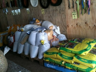 Selling HAY, CHAFF, POULTRY FEEDS,  PET MEATS AVAILABLE