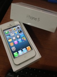 New Apple iPhone 5 64GB  Unlocked
