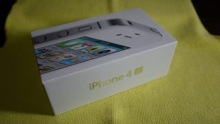 WTS:Apple iPhone 4S Quadband 3G HSDPA GPS Unlocked Phone