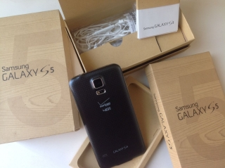 FOR SALE: BRAND NEW UNLOCKED SAMSUNG GALAXY A7 $380