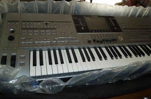 Yamaha Tyros 4 61Key Arranger Workstation Keyboard