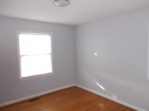 Convenient Location 3 Bed 2 Bath For Rent. Washerdryer Hookups!