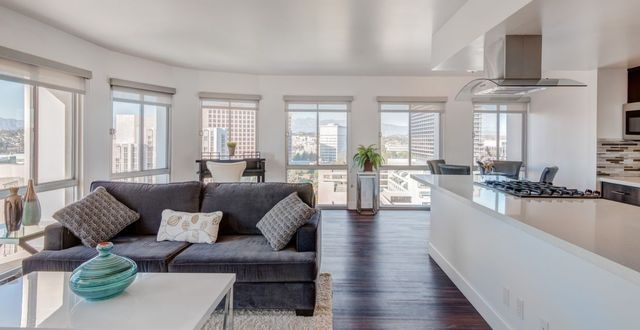 APARTMENT IN QUIET AREA SPACIOUS WITH BIG KITCHEN LOS ANGELES For Rent Los A