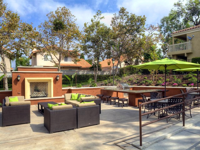 1 Bedroom Apartment Welcome To Eaves Santa Margarita Rancho Santa Margarita For Rent