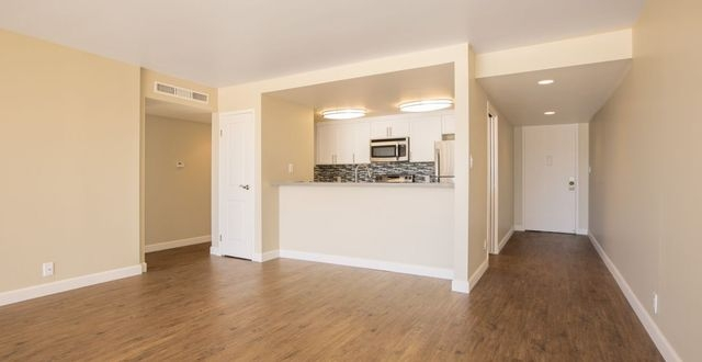 Lovely Marina del Rey, 2 bed, 2 bath