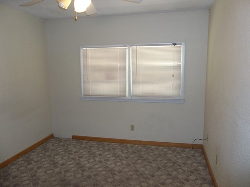 Spacious 4BR  2BA Close to K-State