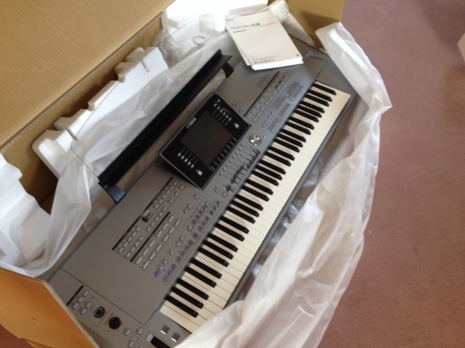 Sale yamaha tyros 5 workstation keyboard