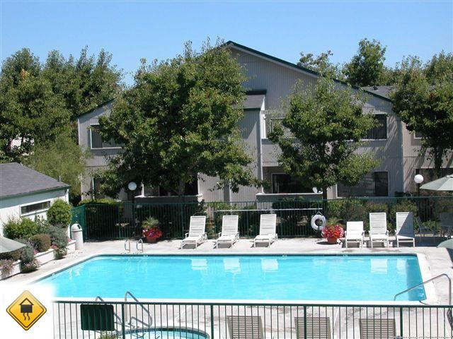 2 bedrooms Condo - Welcome to Heritage Park apartments.