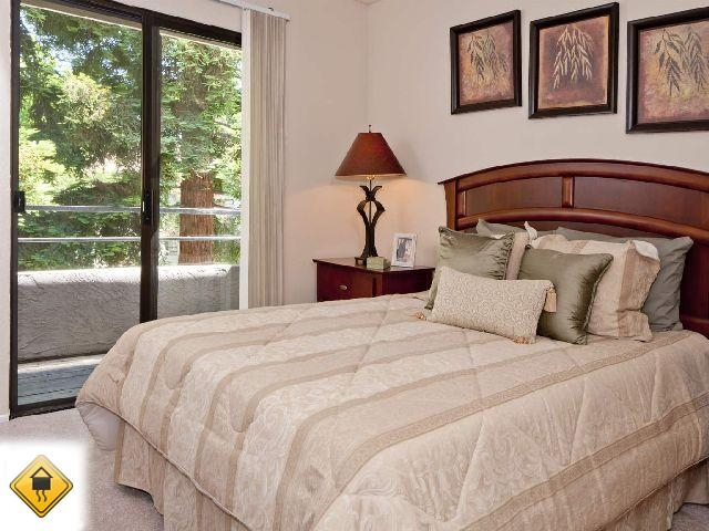 3 bedrooms Townhouse - Welcome to Willowbend apartments.