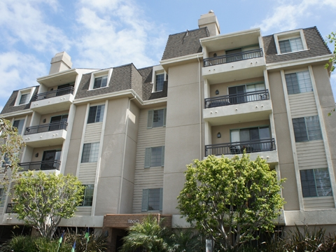 2 Bedrooms Apartment In Quiet Building Los Angeles Parking Available Los Angeles For Rent