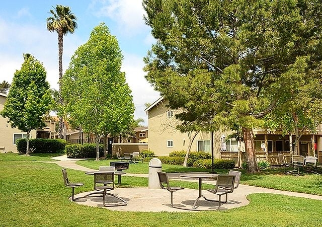 2 bedrooms Apartment - Welcome to eaves Mission Ridge.