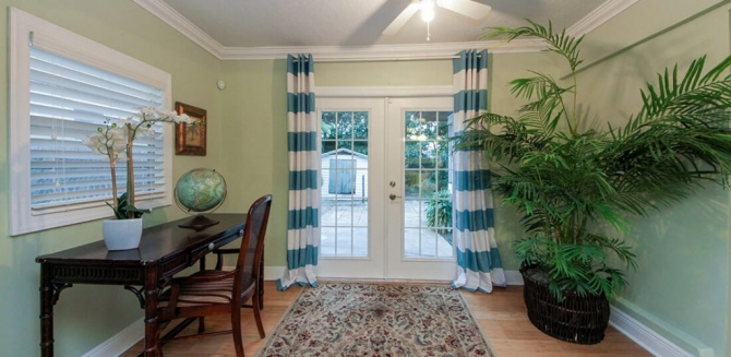 Easily find graet deal for vaccation by palm beach vacation rental