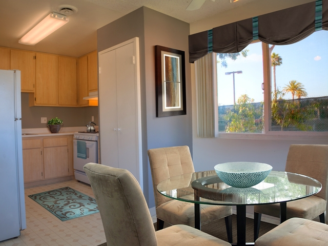 3 Bedrooms Apartment Welcome To Eaves Mission Ridge San Diego For Rent Bakersfield Real