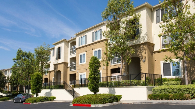 Outstanding Opportunity To Live At The Woodland Hills City Club