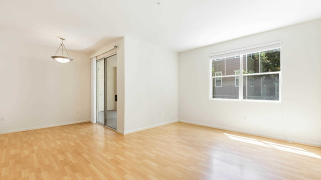 Lease Spacious 22. Approx 1,092 sf of Living Space!