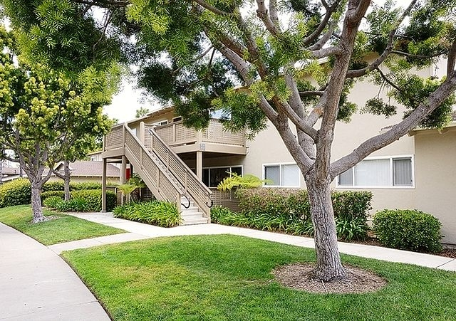 2 Bedrooms Apartment - Welcome To Eaves Mission Ridge. Parking Available!