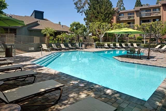 Welcome to eaves Lake Forest, located in County, CA. Covered parking!