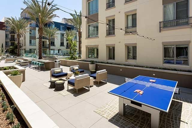 Huntington Beach, 1 bathroom, 724 sq. ft. - in a great area. Parking Available!