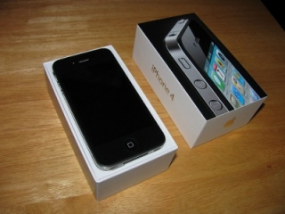 For sale brand new apple iphone 4G 32Gb