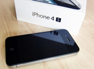 New iPhone 4s/4 32GB , iPad 2 64gb , B.B Torch 9810 & Porsche Design P'9981, Samsung S2  Buy 2 get 1